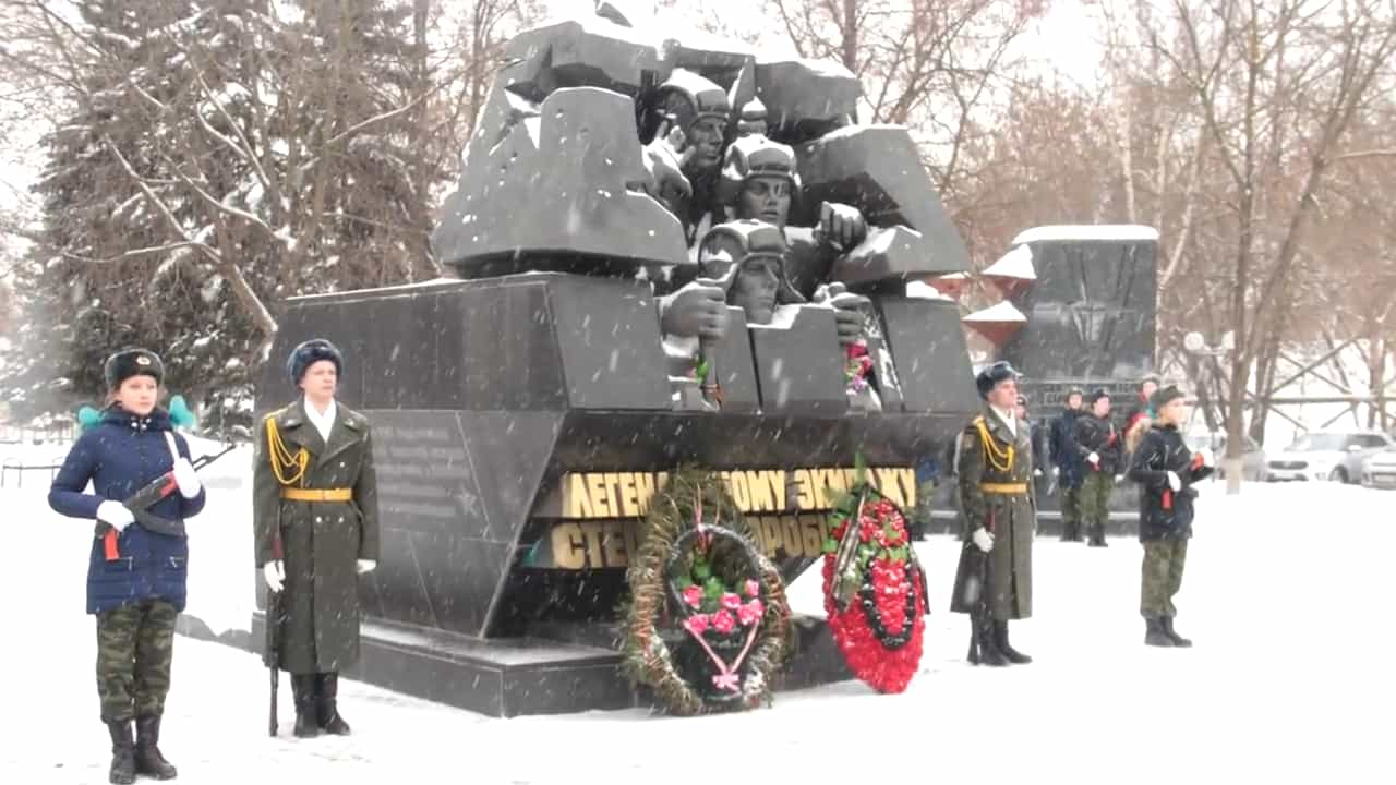 10 Badass Warriors Of All Time - Stepan Gorobets - monument